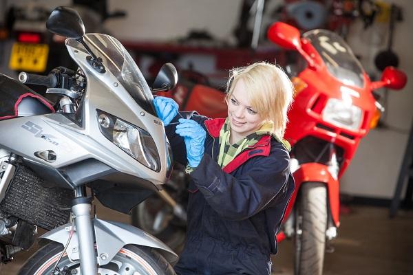 Hướng dẫn bảo trì bảo dưỡng xe máy đúng cách