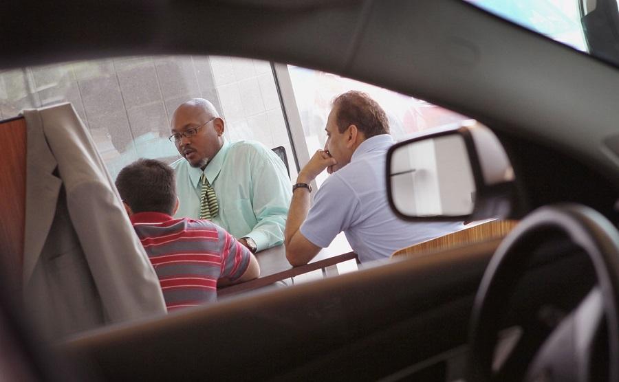 Có nên mua xe ô tô để đi hay không ?