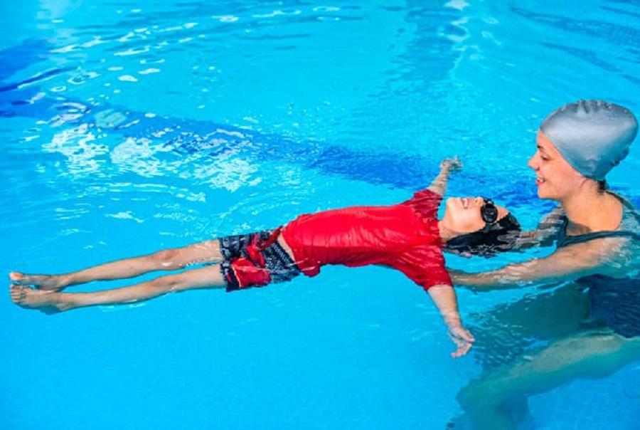 Kinh nghiệm giúp cho bạn học nhanh biết bơi hơn