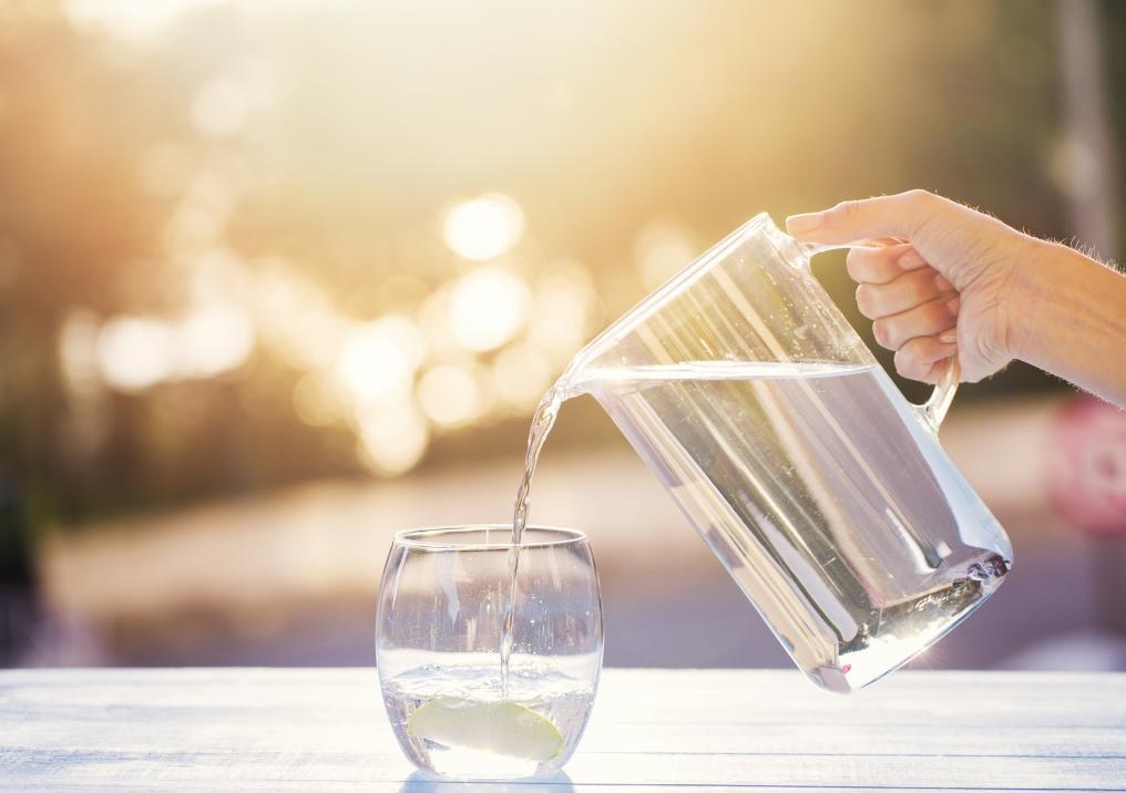 Nên uống nước lọc vào lúc nào thì tốt nhất ?