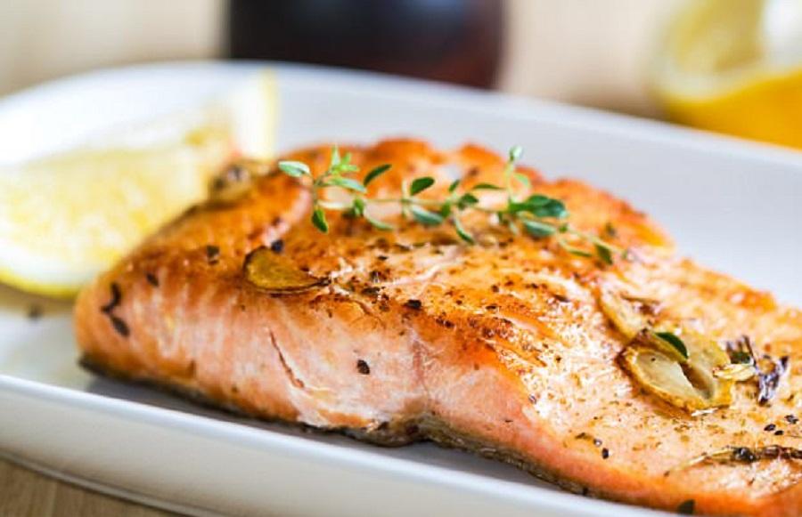 Ăn cá hồi có tốt cho sức khỏe hay không ?
