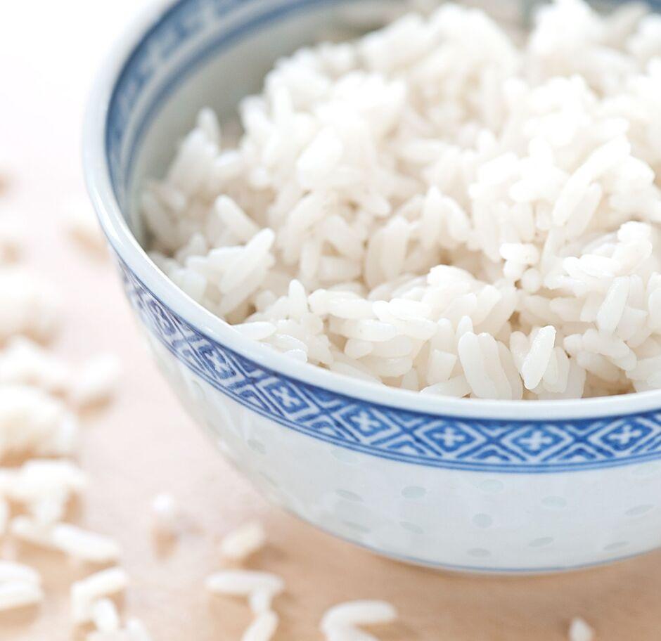 Ăn cơm quá nhiều hoặc quá ít liệu có bị sao không