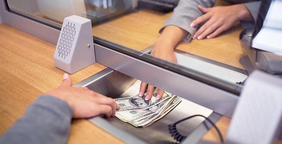Có nên gửi tiền tiết kiệm ở ngân hàng hay không ?