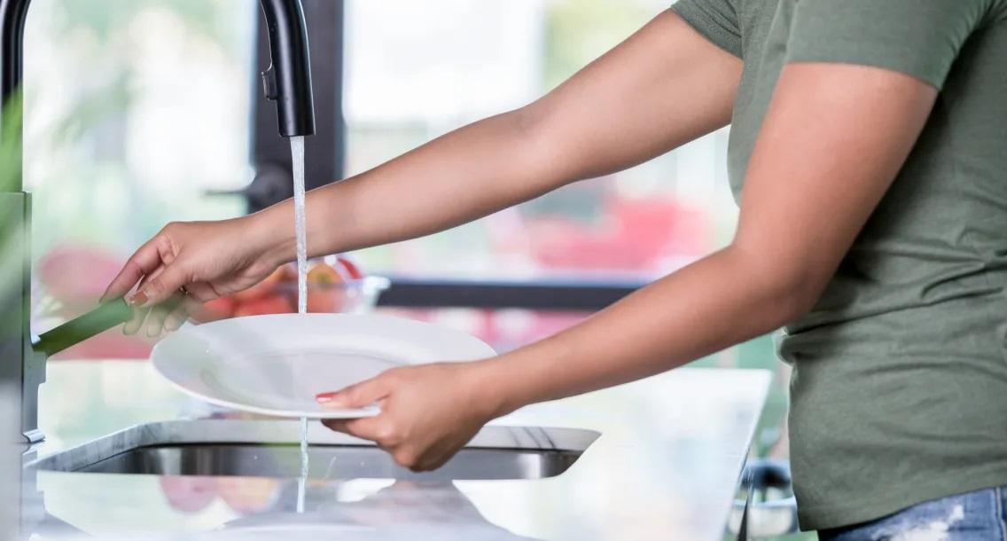 Các bước tiến hành để giúp rửa chén bát đĩa nhanh và sạch hơn