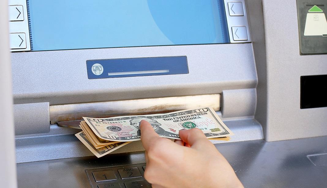 Ghi chú nhắc nhở về ký hạn tiền gửi tiết kiệm ở ngân hàng