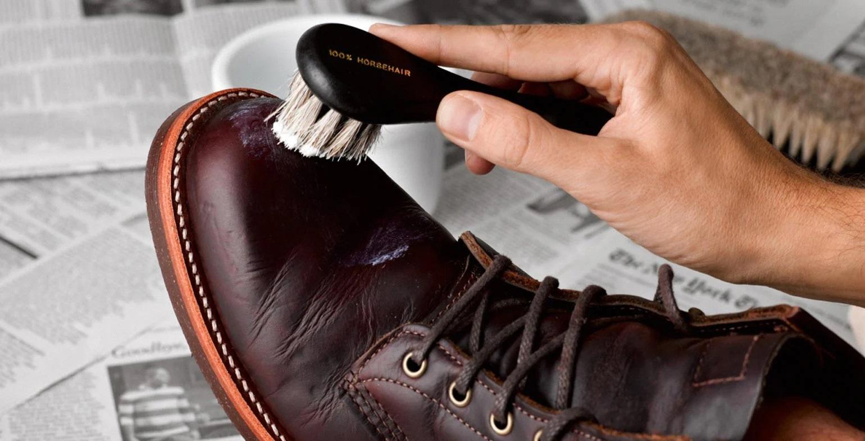 Một số lưu ý trong quá trình đánh giày tại nhà