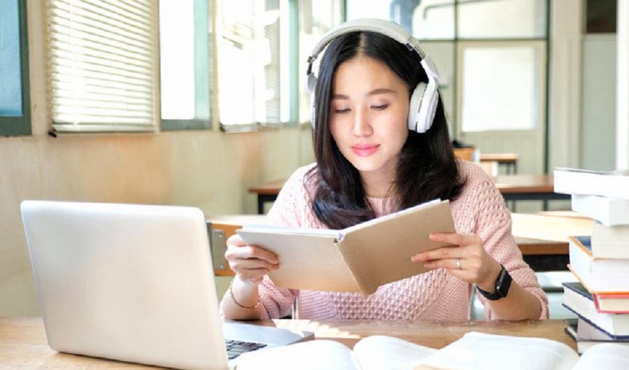 Nên nghe thể loại nhạc nào khi học bài làm việc