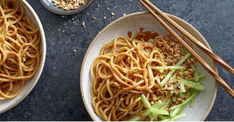 Tại sao ăn mỳ ăn liền lại nóng và nổi nhiều mụn