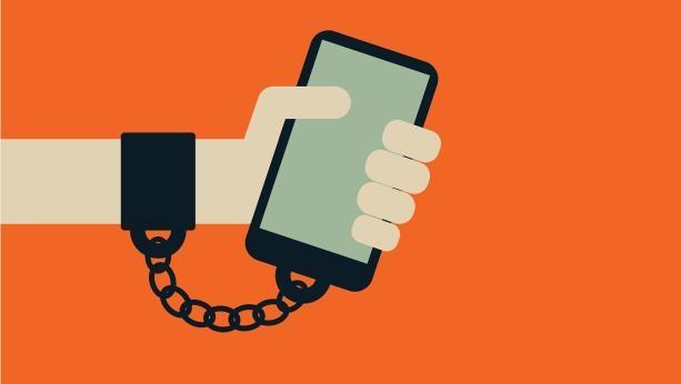 Nghiện điện thoại khiến bạn tốn nhiều thời gian