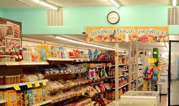 Mở cửa hàng tạp hóa ở vùng nông th