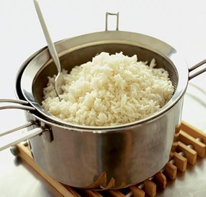 Nấu cơm nên đổ bao nhiêu nước thì ngon