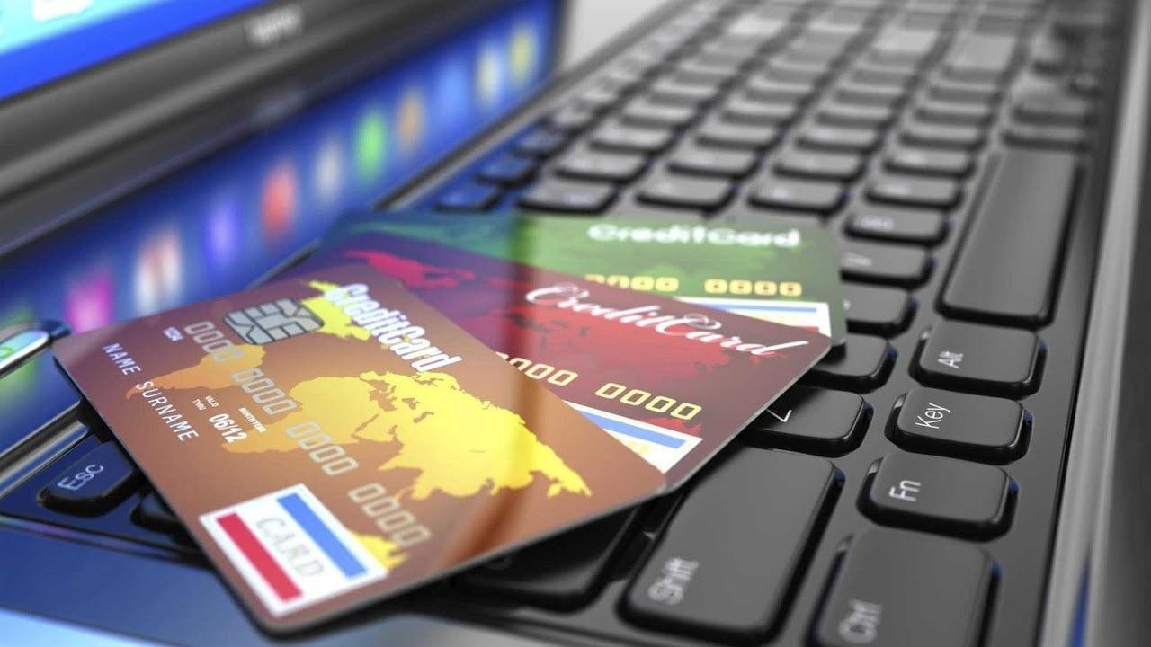 Thẻ tín dụng khác gì so với thẻ atm